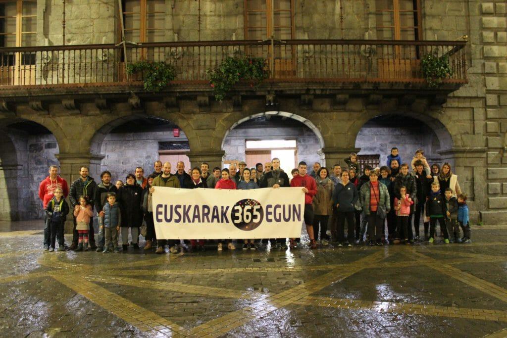A3-ren bueltan, eskualdeko herrietako argazkiak 47